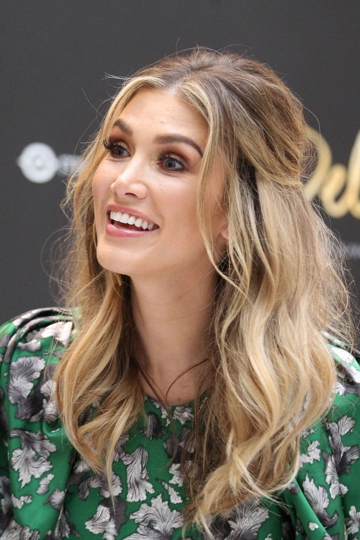 delta-goodrem-launch-for-her-new-perfume-delta-in-melbourne-4-11-2017-20.jpg 1,280×1,921 pixels