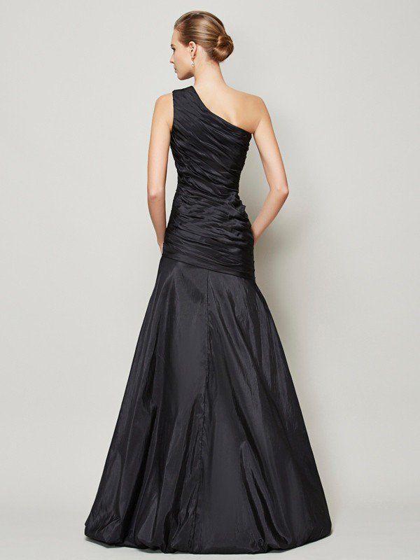 A-Line/Princess One-Shoulder Sleeveless Pleats Long Taffeta Bridesmaid Dresses