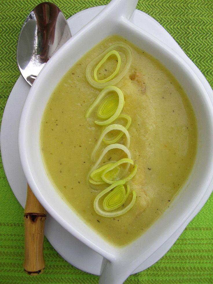 Jesienne chłody warto umilić sobie kubkiem smacznej, rozgrzewającej zupy. Ostatnio gotuję je często. Są nie tylko zdrowe i dostarczają spore...