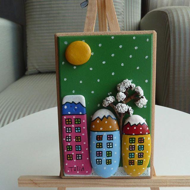 #handmade #tas #tasboyama #tasarım #tasarim #stone #stoneart #rockart #design #ev #aksesuar #biblo #hediyelik #hediye #hediyelikesya #cakiltasi #susleme #elyapimi #elyapımı #kis #kar #manzara
