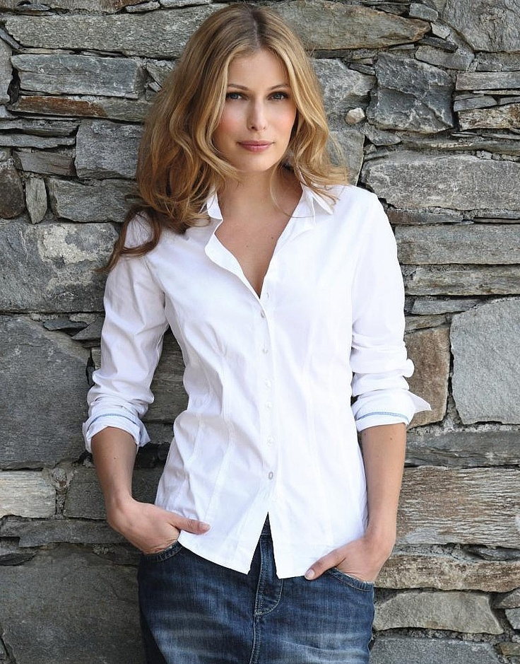 White shirt, jean skirt.  Why do we love this simple, classic look?