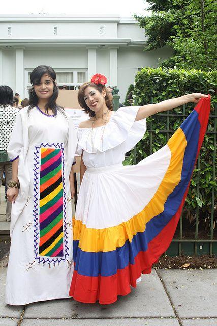 Traditional dress of Wayuu and Llanera   Traditional ...