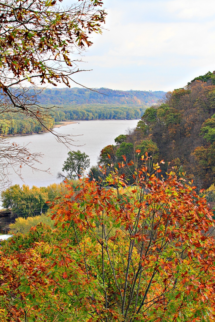 This is what I miss when we have our paltry fall in California.  Along Mississippi by Dubuque Iowa, fall 2011