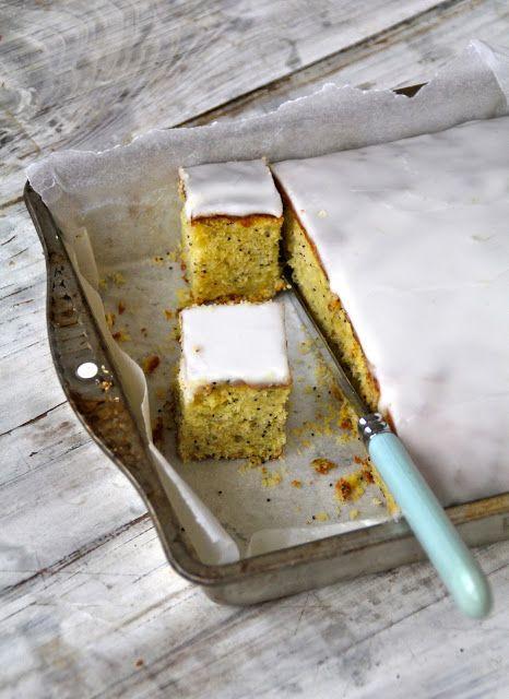 Sitron- og limekake med valmuefrø - Mat på bordet