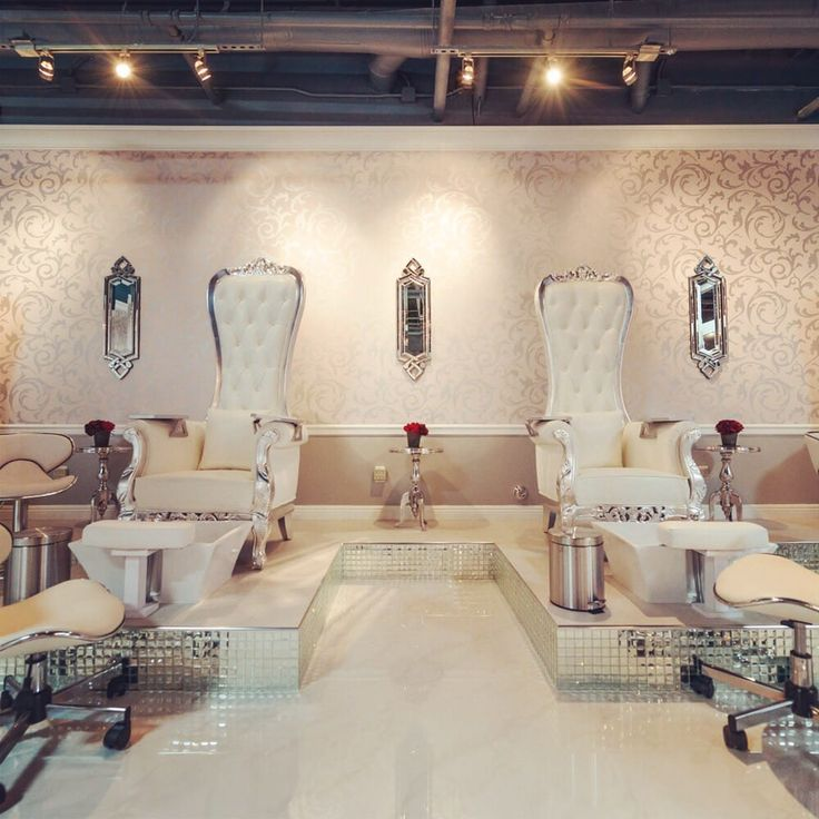 Photo of Vernis Nail Bar - Woodland Hills, CA, United ...