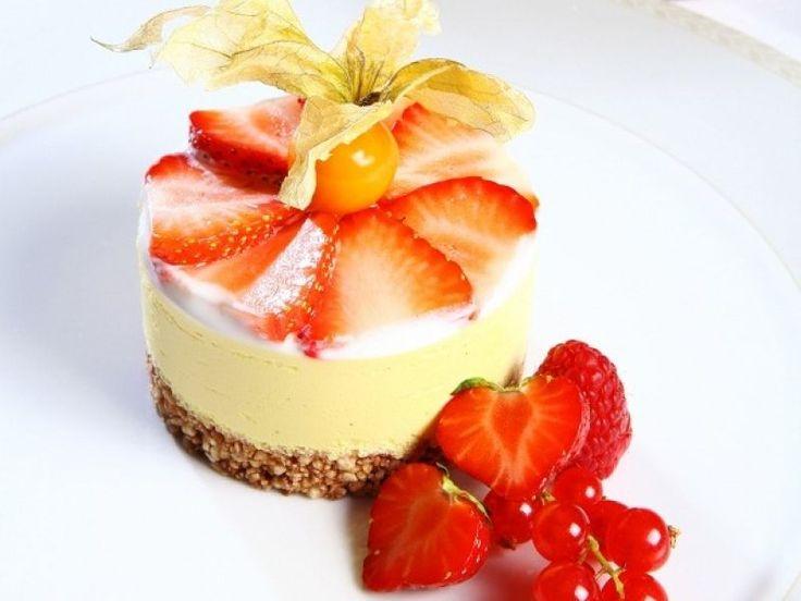Cheesecake s jahodami , recept s názvom - Cheesecake s jahodami . Recept je zaradený do kategórie Ovocné múčniky, Múčniky a dezerty