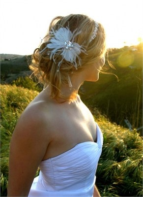 loose, stylish wedding up do with accessories