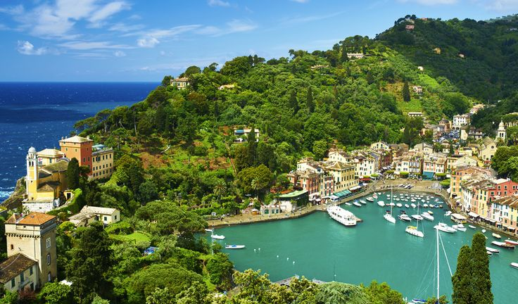 Portofino, Liguria - 27 places in Italy that don't look real -