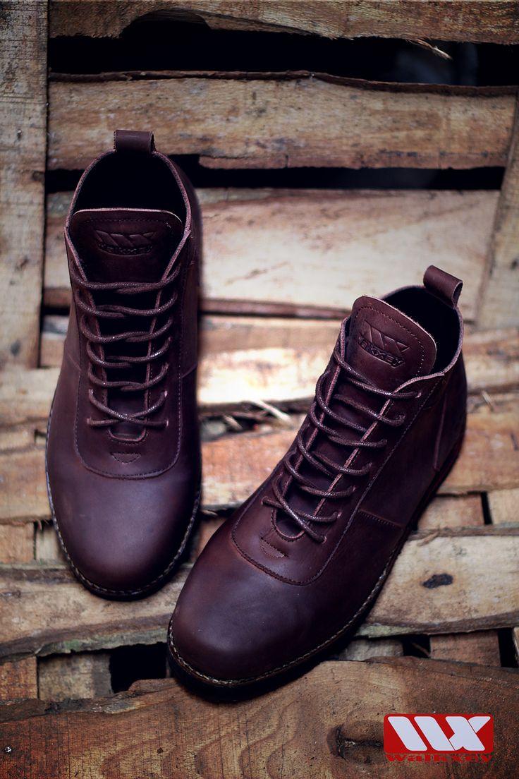 mau tangguh dan keren pake sepatu kulit walkxey CB-070 Dark brown
