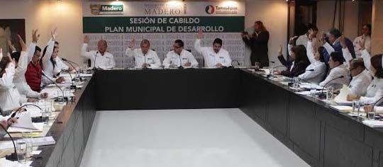 Ponemos en marcha el Plan Municipal de Desarrollo 2013-2016, destacando los cuatro ejes rectores: Desarrollo Económico,  Desarrollo Social, Desarrollo Urbano y Medio Ambiente, y el eje transversal de Mejora Administrativa, Transparencia y Rendición de Cuentas
