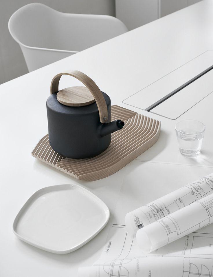 Minimal Offices via Finnish Design Shop