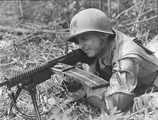 The Johnson M1914 was a light machine gun, recoil-operated, and was manufactured to a high standard. Nine thousand five hundred of these LMGs were built, including two versions.