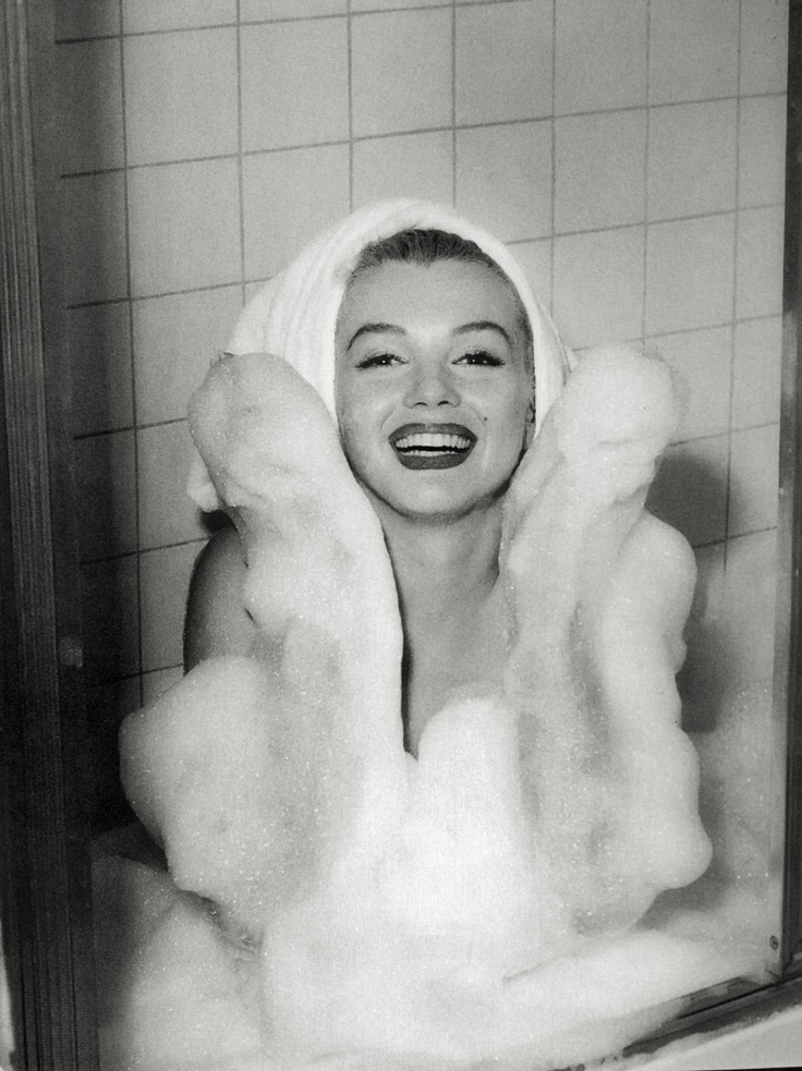 Bubbles baths! The perfect weekend treat!! Marilyn Monroe at Hotel Bel-Air, #LA 1953
