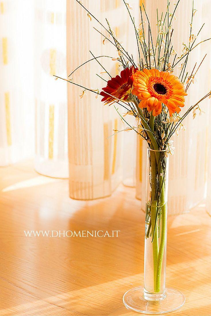 L'eleganza è sempre fatta di linee semplici ed essenziali. Come questo portafiori in vetro @ikeaitalia. Un tono delicato per il salotto, una scelta romantica per la tavola.
