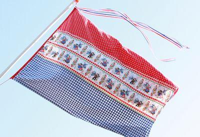Koninginne/ Koningsdag   I have made my own Dutch flag  ! (free tutorial www.hiphandwerk.nl)