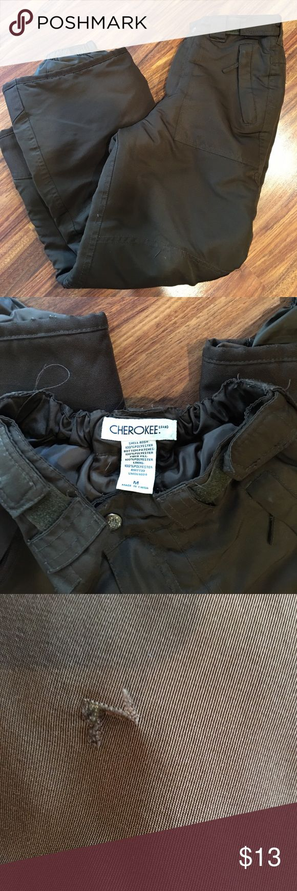 Cherokee girls ski snowboard pants medium M Brown in color. Great condition except for a small tear in the outer fabric from Skiing. See picture.Girls medium (fits about ages 10-12). #4/27/17. Cherokee Bottoms