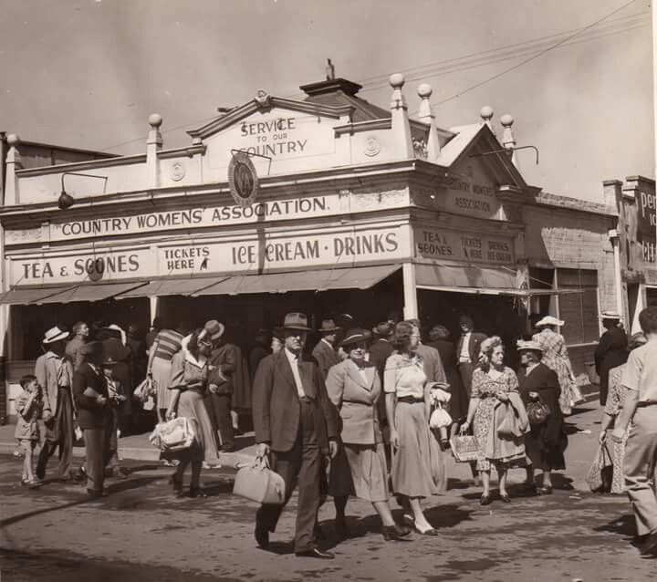 The original kiosk for the Country Women's Association of NSW at Sydney's, Royal Easter Show in 1948. v@e