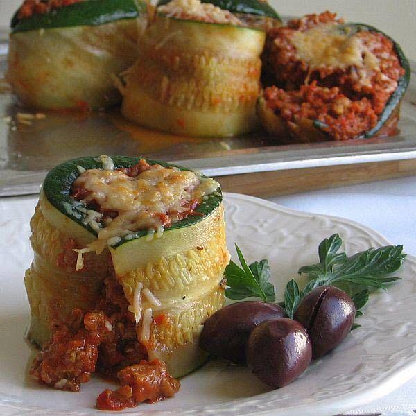 Croatian Zucchini Roulade    http://easteuropeanfood.about.com/b/2012/08/20/zucchini-and-summer-squash-at-home-in-eastern-european-cuisine.htm#