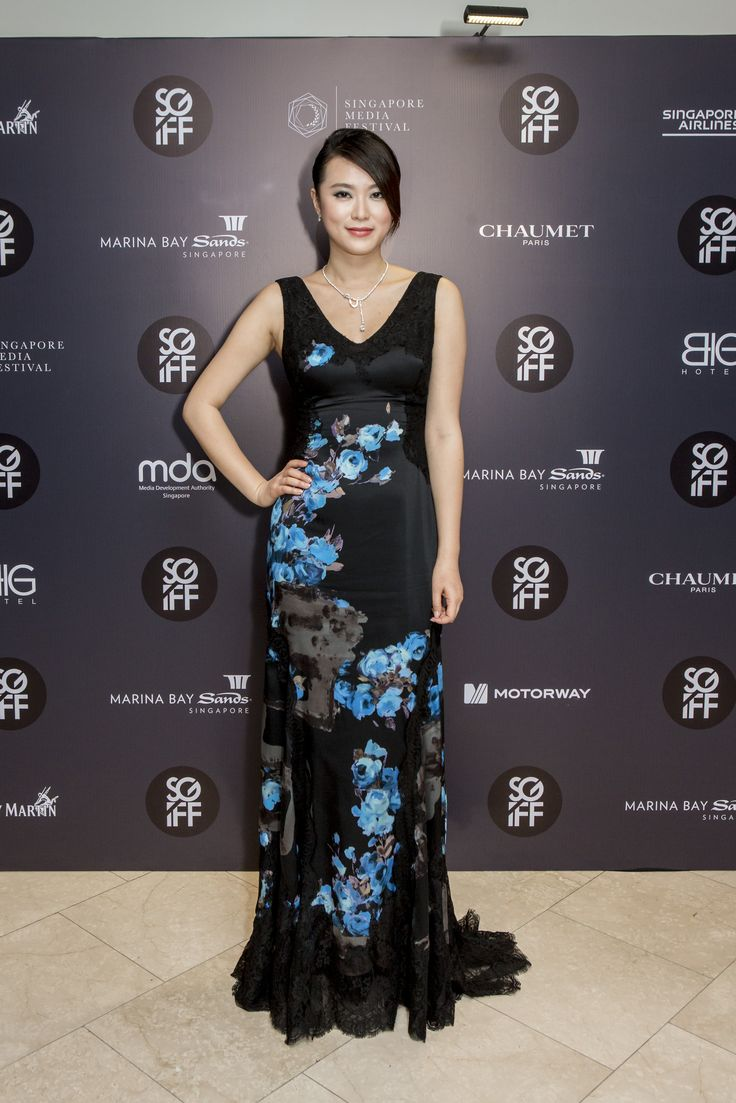 Huang Lu wearing a Classic necklace and Joséphine earrings at the SGIFF Silver Screen Awards. #Chaumet #SGIFF