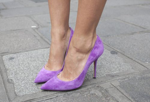 Violet pumps. so pretty