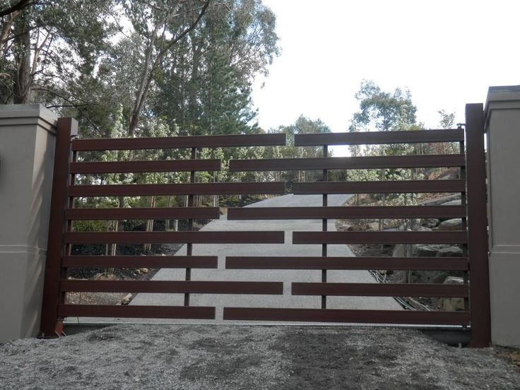 Custom Made Automatic Gates Melbourne.  Automatic Gate Solutions. Specialising in Trackless Bi Fold Gates for those with limited space. Swing and Sliding Gates. Over 25 years experience.