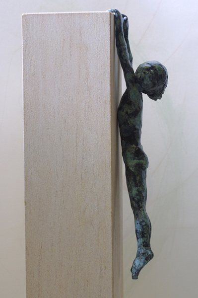 Dreeping by Alison Bell @ http://www.creativeartsgallery.com/3d-art/sculpture/bronze-(22)/dreeping/