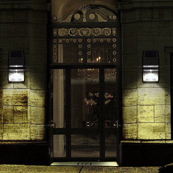 DECKEY LED ソーラーライト 人感センサー搭載 壁掛け 玄関ライト 夜間自動点灯 屋外照明 軒先 庭先 玄関周りなど対応 電気代不要