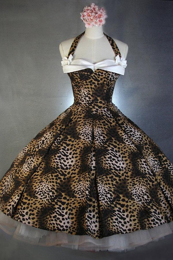 vintage leopard print-this would make a cute bridesmaids dress :-)