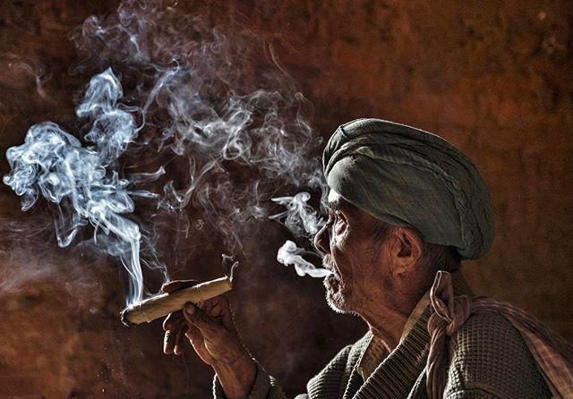 Photo by @edkashi/@viiphoto in Myanmar #onassignment #burma #photojournalism #documentary #dailylife #asia #thephotosociety