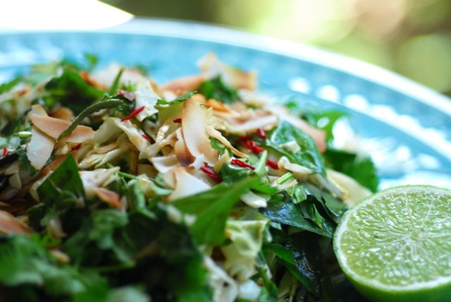 Crunchy+Asian+Cabbage+Salad+and+a+flavour+popping+dressing