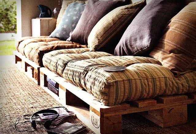 montreal-condo-pallet-futon