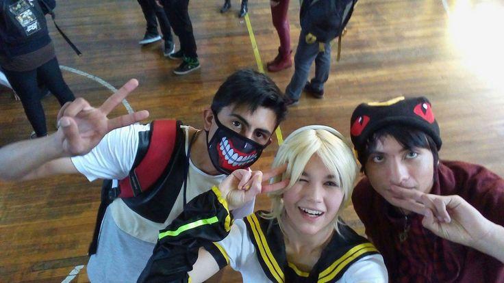 Kagamine V4X - Kagamine Len Cosplay Photo y chicos lokos(?)  Propiedad de Shimoda Len. ¡Es un Cosplay hecho por fan! (´・ω・`)