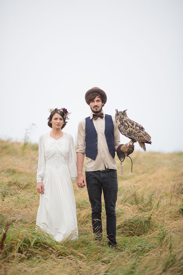 This inspiration shoot is surreal and charming beyond words.  I'm going to start offering a special Owl Discount for any couple who wants to bring their pet owl along for a shoot :D