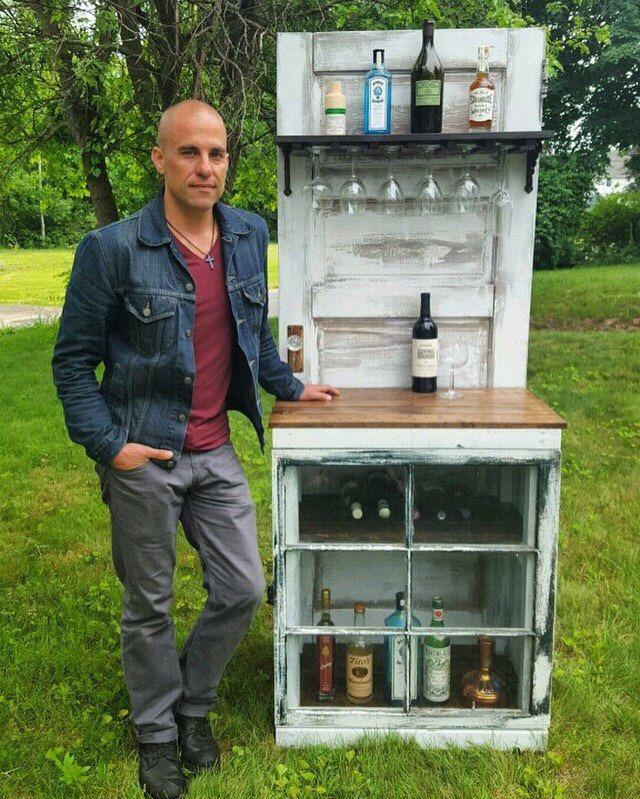 Wine Bar - Liquor Cabinet - Local Pickup Only by HammerAndIron on Etsy https://www.etsy.com/listing/477707101/wine-bar-liquor-cabinet-local-pickup