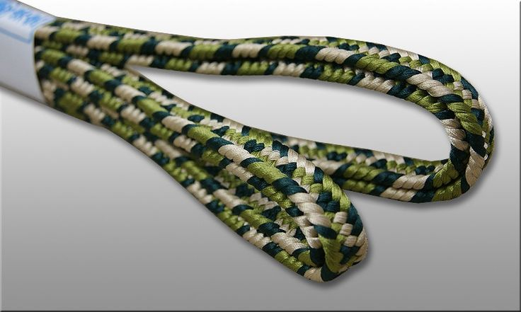 Shigeuchi sageo 3-color namikawa pattern. Colors inspired by nature - ecru with dark and light greens, lenth 220cm for katana samurai sword. Handmade cord in traditional japanese kumihimo workshop.