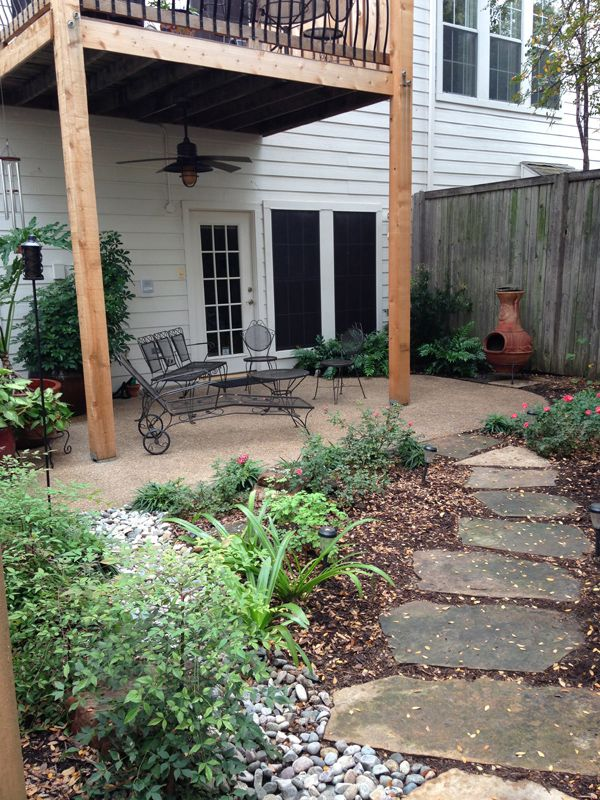 Our townhouse patio backyard renovation wins silver teil for Townhouse deck privacy ideas
