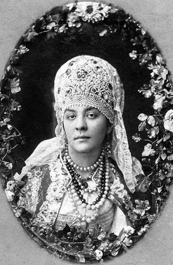 Russian costume, old photo, 1870, kokoshnik headdress.