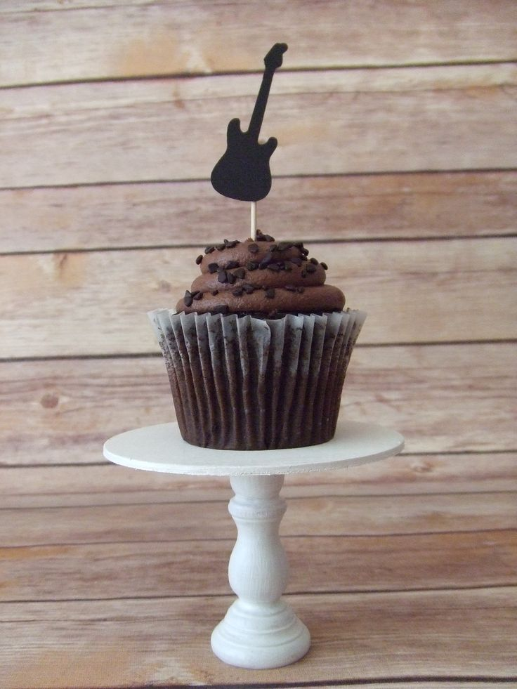 Best 25 Guitar cupcakes ideas on Pinterest Used bass guitars