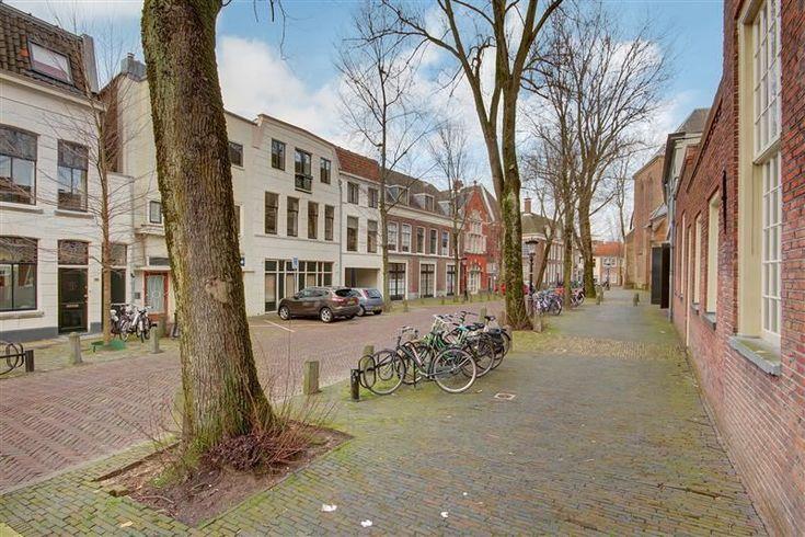Algemeen Kantoorgebouw Beijers is een luxueus en karaktervol kantoorgebouw en een uniek rijksmonument gelegen in het centrum van Utrecht. Kantoorgebouw Beijers is volledig gerenoveerd met behoud van vele authentieke en karakteristieke details. Het g...