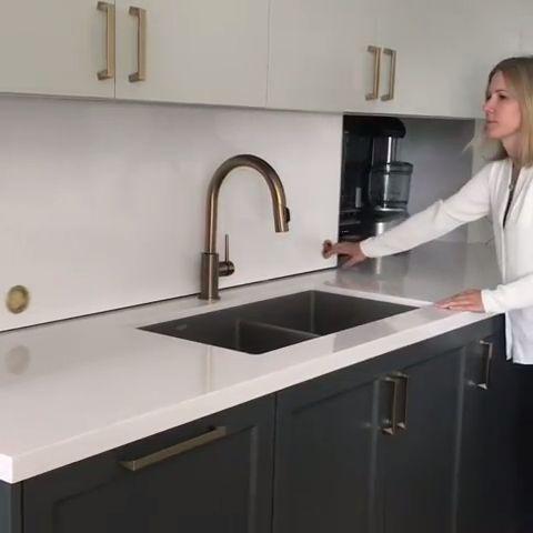 Modern functional kitchen