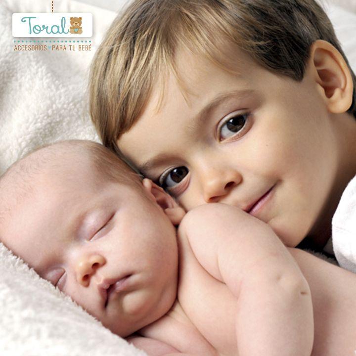 Cuando llega un hermanito a la familia asígnale tareas con el nuevo integrante, esto hará que se sienta parte de esta nueva etapa de la familia. TORAL ¡Le damos la bienvenida a la vida!
