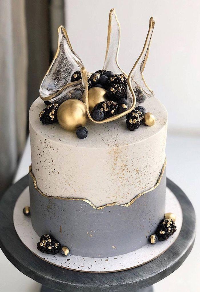 Top 11 Wedding Cakes Trends That Are Getting Huge In 2021 Elegantweddinginvites Com Blog Elegant Birthday Cakes Cake Crazy Cakes