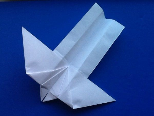 How To Make A Paper Airplane That Flies Really Far