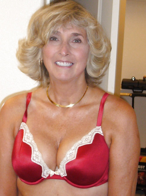 push up bra milfs