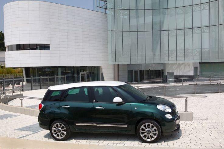 Točno pet godina nakon predstavljanja Fiata 500, a 55 godina nakon povijesnog debija 500, Fiat 500L debitirao je službeno u Torinu 4. srpnja 2012. Sada je došla i Living verzija