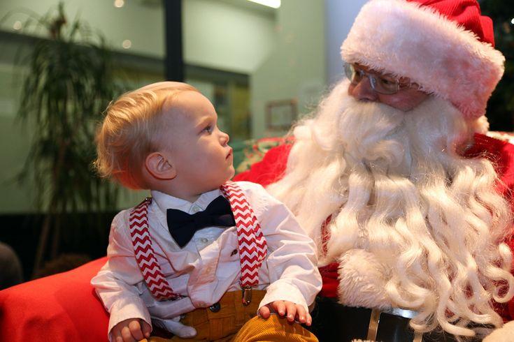 père Noël et petit garçon