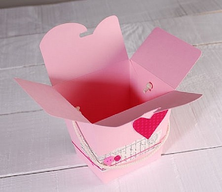 Chinese noodle box, perfect for wrapping presents.. Pack 2218_L