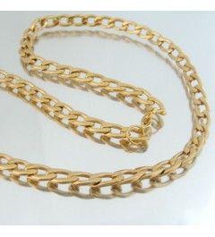 Cadena de acero color dorado
