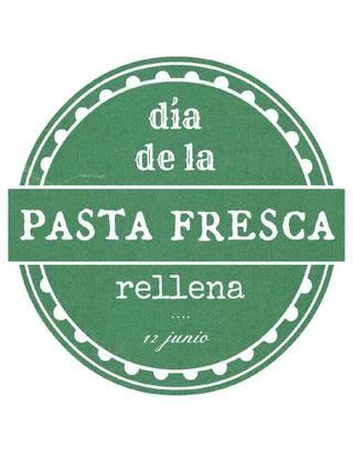 E book pasta rellena  El 12 de junio de 2013 unos locos blogeros gastronómicos nos lanzamos a publicar nuestras propuestas de recetas de pasta fresca rellena.  Aquí las recopilamos para vuestro uso y disfrute.  Buen provecho!!!