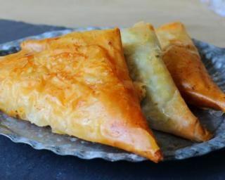 Chaussons minceur pomme et ananas en feuilles de brick : http://www.fourchette-et-bikini.fr/recettes/recettes-minceur/chaussons-minceur-pomme-et-ananas-en-feuilles-de-brick.html